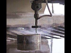 CNCウォータージェット切断鋼-花崗岩-プラスチックを切断するためのCNCウォータージェット切断機