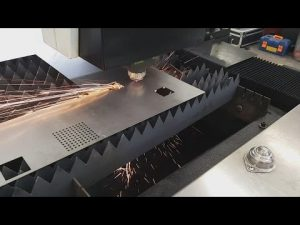 China Accurl 700w 1000wファイバーシートメタルCNCレーザー切断機ステンレス鋼