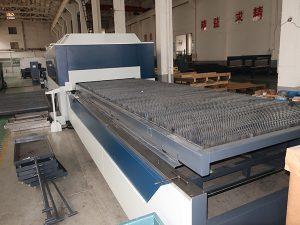 工場は中国からの炭素鋼繊維レーザーの打抜き機を直接供給します